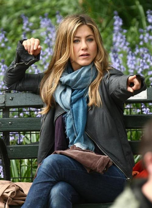 f1ed6c1d3368b Jennifer Aniston always looks pulled together, and she is often seen wearing  scarves. This